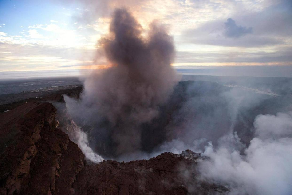 Smoke rises from the Pu'u 'O'o crater on the Kilauea volcano in Hawaii (EPA)