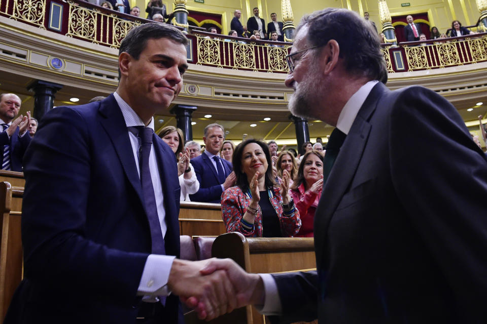 Momento de la moción de censura en la que Rajoy perdió el poder. (Pierre Phillipe Marcou/Pool Photo via AP)