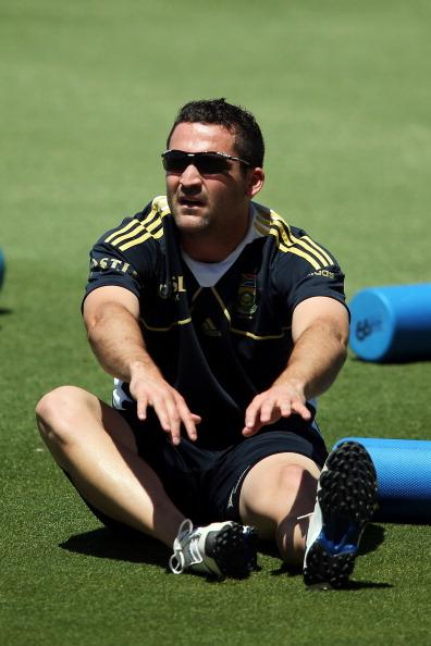 ADELAIDE, AUSTRALIA - NOVEMBER 19:  Dean Elgar stretches during a South African Proteas training session at Adelaide Oval on November 19, 2012 in Adelaide, Australia.  (Photo by Morne de Klerk/Getty Images)