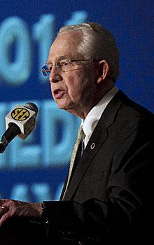 SEC commissioner Mike Slive was among those open to a playoff in 2008, but he found little support among his peers