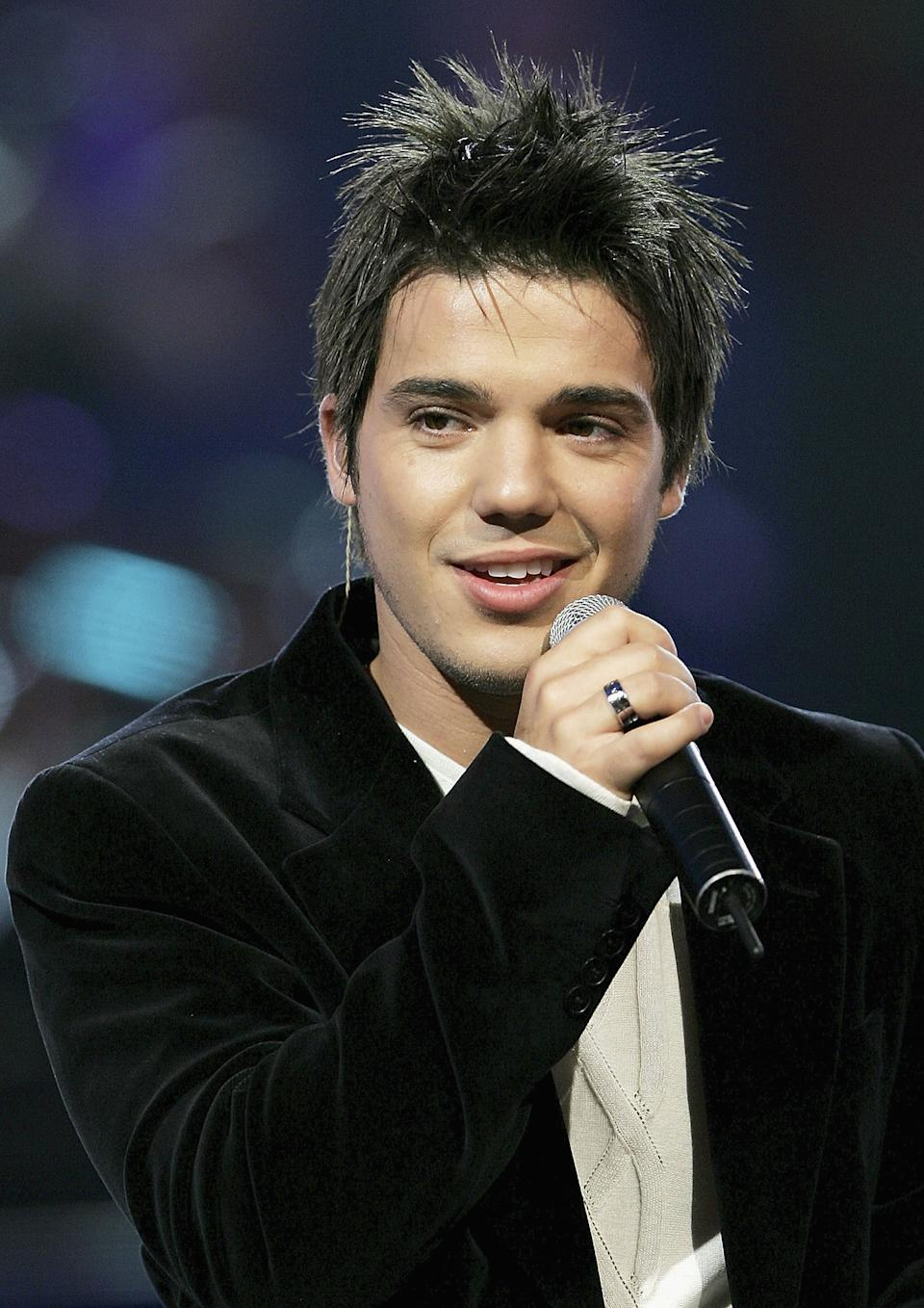 Australian Idol's Anthony Callea performs at the 2005 Carols by Candlelight on December 24, 2005 in Melbourne, Australia