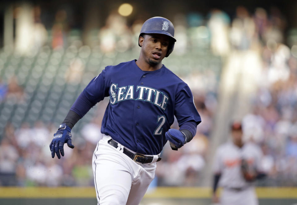 Seattle Mariners' shortstop Jean Segura claims he was assaulted and robbed at gunpoint by Dominican police in an Instagram post. (AP)