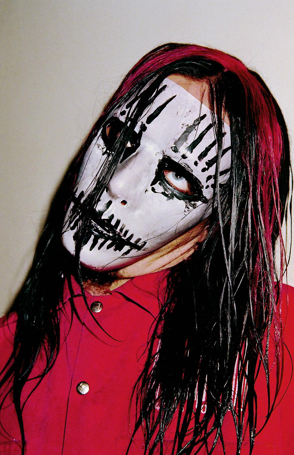 Founding Slipknot member and acclaimed drummer Joey Jordison dead at age 46  - LocalFobs