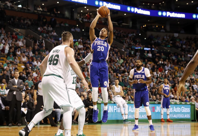 "<a class=""link rapid-noclick-resp"" href=""/ncaab/players/136166/"" data-ylk=""slk:Markelle Fultz"">Markelle Fultz</a> elevates, then thinks about what he's doing. (AP)"
