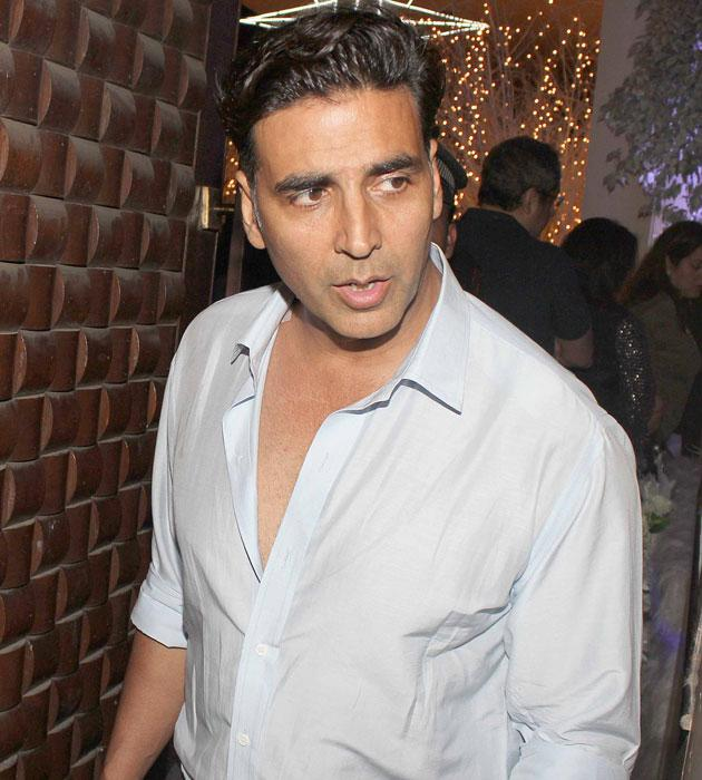 Akshay Kumar arrives for the bash