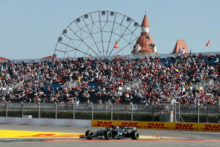 Bottas exploits record-chasing Hamilton's troubles in Russia