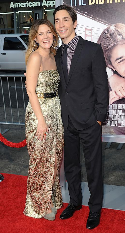 """<a href=""""http://movies.yahoo.com/movie/contributor/1800016287"""">Drew Barrymore</a> and <a href=""""http://movies.yahoo.com/movie/contributor/1804512153"""">Justin Long</a> at the Los Angeles premiere of <a href=""""http://movies.yahoo.com/movie/1810105852/info"""">Going the Distance</a> - 08/23/2010"""