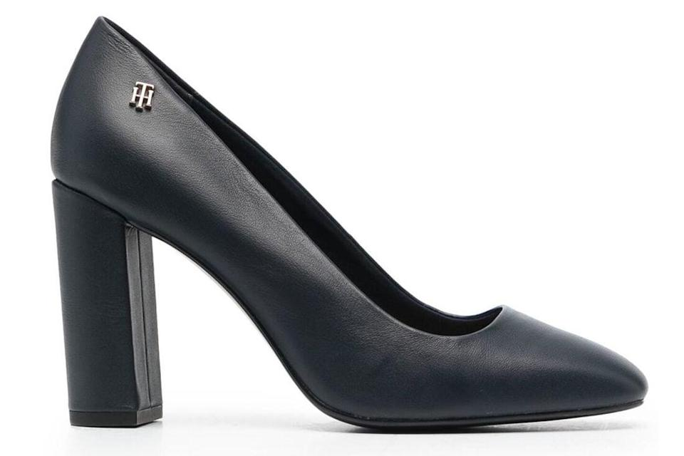 black heels, pumps, square toe, tommy hilfiger