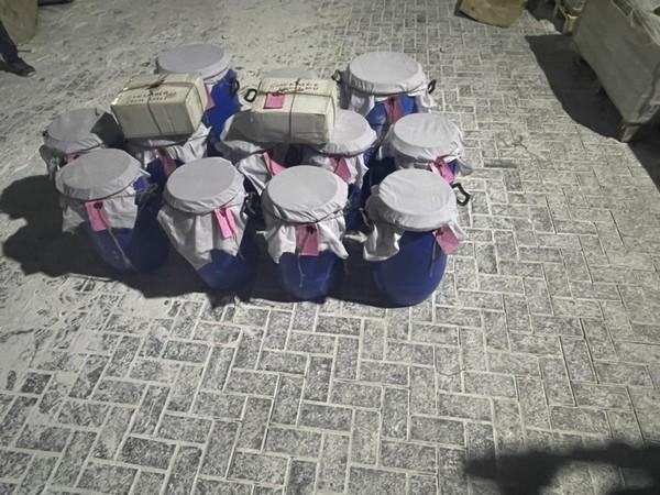 A total of 293.81 kgs of heroin was recovered from the six gunny bags.