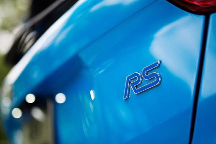 ford focus rs first drive logo