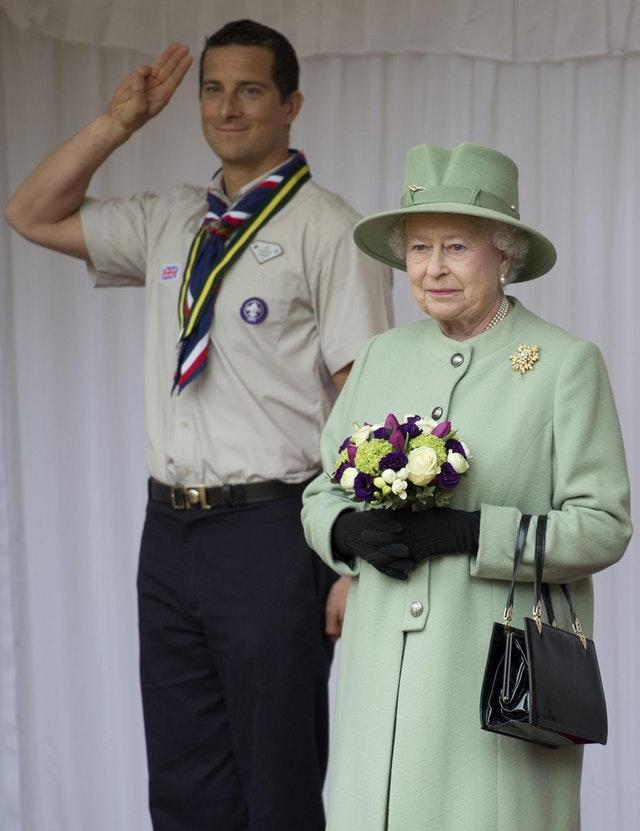 Queen attends annual scouting review