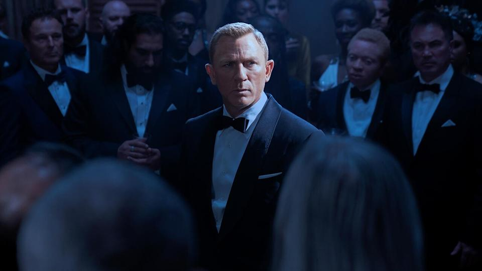 Daniel Craig stars as James Bond in NO TIME TO DIE, an EON Productions and Metro-Goldwyn-Mayer Studios film Credit: Nicola Dove © 2021 DANJAQ, LLC AND MGM.  ALL RIGHTS RESERVED.