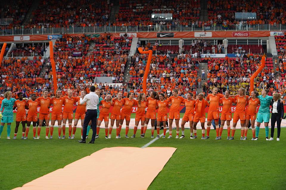 EINDHOVEN, NETHERLANDS - JUNE 01: Netherlands players are singing during their send-off for the World Cup during the Women's International Friendly between Netherlands vs Australia at Phillips Stadium on June 1, 2019 in Eindhoven, Netherlands. (Photo by Daniela Porcelli/Getty Images)