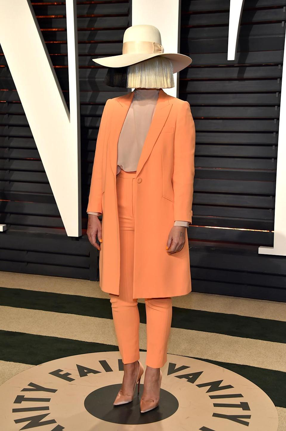 <p>Sia attends the 2017 Vanity Fair Oscar Party hosted by Graydon Carter at Wallis Annenberg Center for the Performing Arts on February 26, 2017 in Beverly Hills, California. (Photo by Pascal Le Segretain/Getty Images) </p>