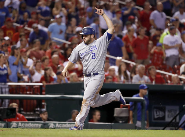 "<a class=""link rapid-noclick-resp"" href=""/mlb/players/8685/"" data-ylk=""slk:Mike Moustakas"">Mike Moustakas</a> is staying put with the <a class=""link rapid-noclick-resp"" href=""/mlb/teams/kan/"" data-ylk=""slk:Kansas City Royals"">Kansas City Royals</a>. (AP)"