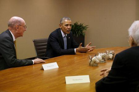 U.S. President Barack Obama meets with Mormon leaders of the Church of Jesus Christ of Latter-day Saints, including President Henry Eyring (L), at his hotel in Salt Lake City, Utah April 2, 2015. REUTERS/Jonathan Ernst