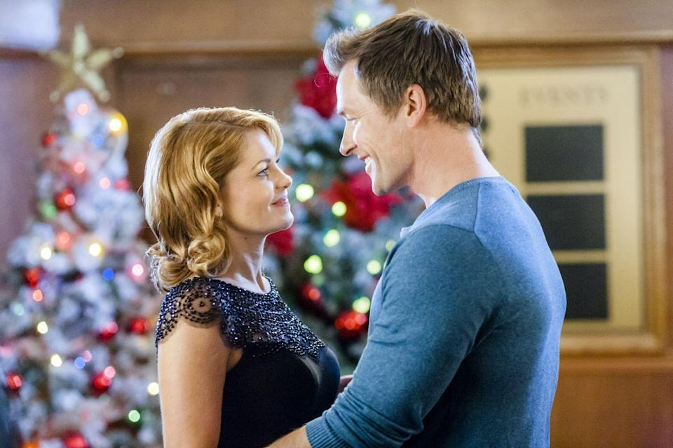 <p>Paige (Candace Cameron Bure again) is stranded in Buffalo, New York, thanks to a snowstorm, and she's desperate to get to New York City ASAP to meet her fiance's parents. She manages to convince the annoying bartender (Paul Greene) sitting next to her on the plane to give her a ride. Over time, he becomes way more loveable.</p>