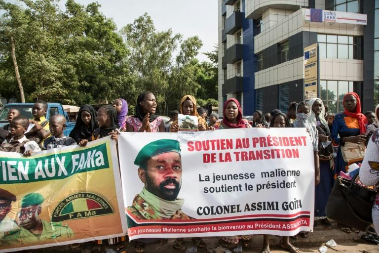 Supporters of Col. Goita gathered in Bamako ahead of the swearing-in ceremony