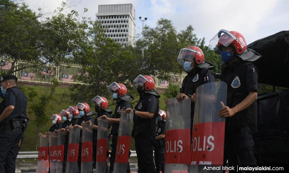 Will Parliament meet after two-week suspension, asks Kit Siang