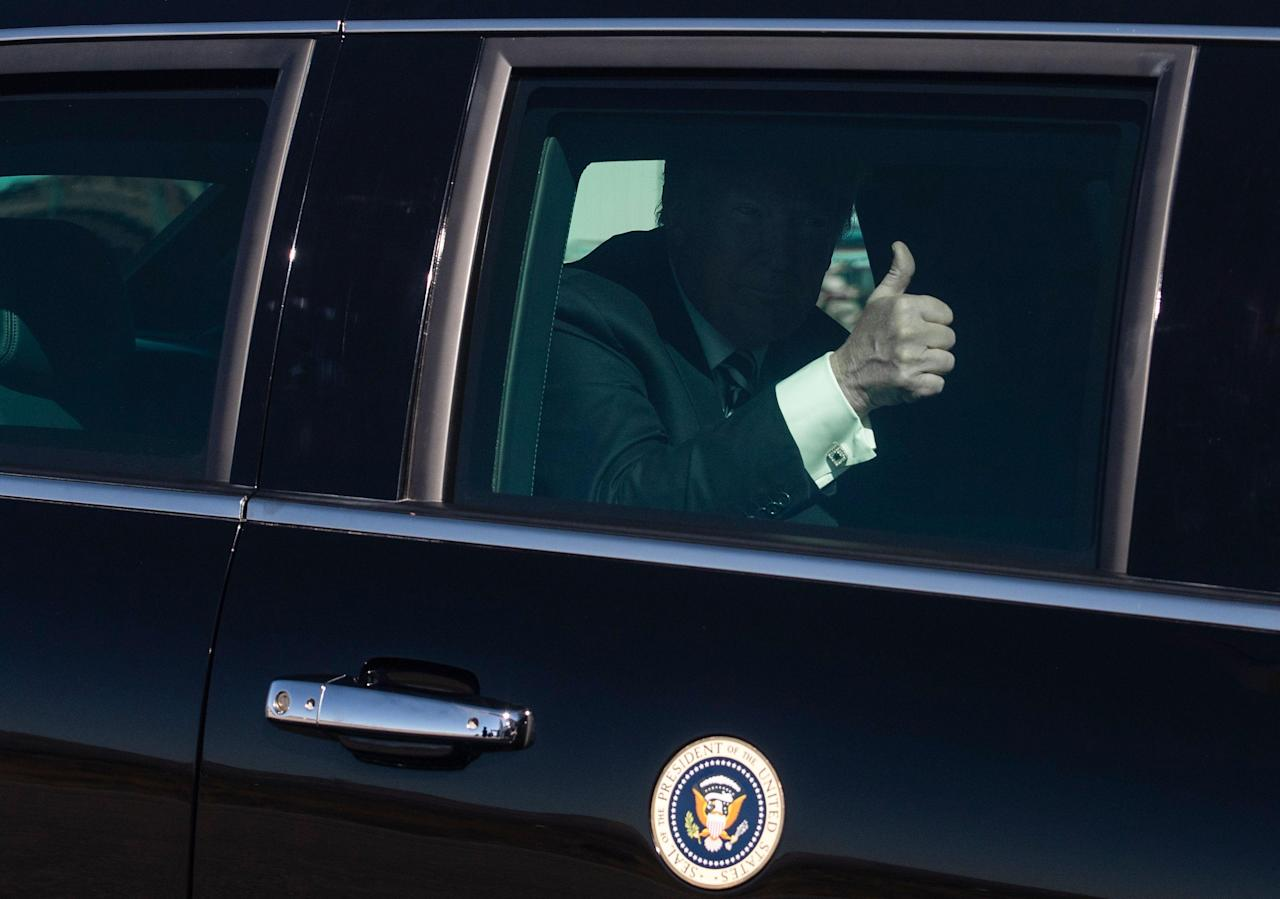 Trump S Presidential Limo Has A Bunch Of Wild Amenities