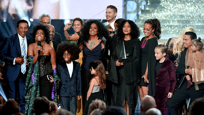 Diana Ross Honored With the Lifetime Achievement Award at 2017 AMAs -- But Her Grandkids Steal the Show!