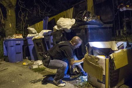 Police focus on seizing guns to combat Chicago gang murders