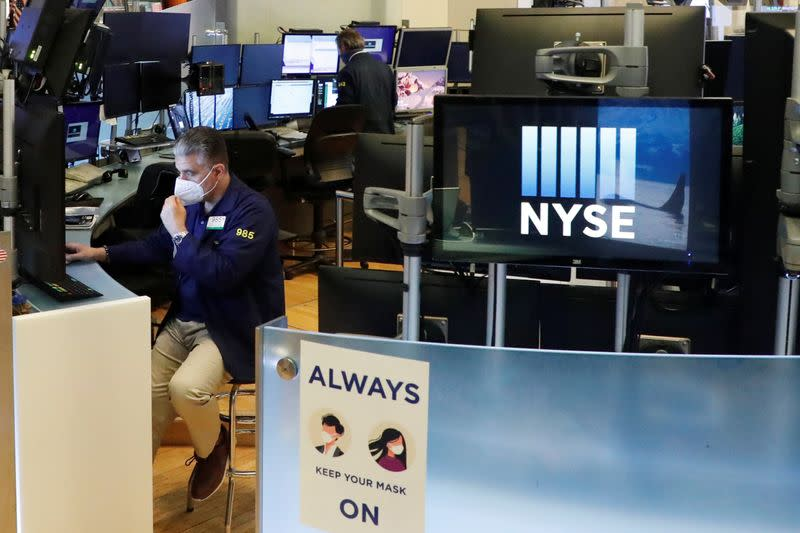 Stocks and oil fall with eyes on U.S. stimulus