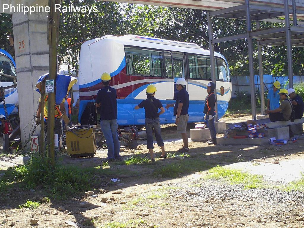Two train coaches for a new monorail system arrive in UP Diliman Nov. 25, with photos posted online by a group called Philippine Railways. (Photo from Philippine Railways' Facebook page)