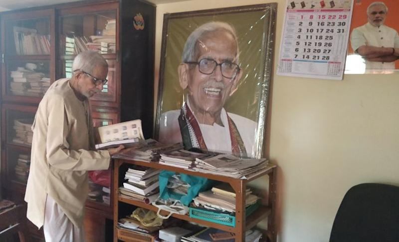 As the BJS was scouting for mass leaders with a strong connect with the grassroots (to become electorally relevant), they approached Urimajalu Ram Bhat (in photo), who by then had spent close to a decade working for the RSS.