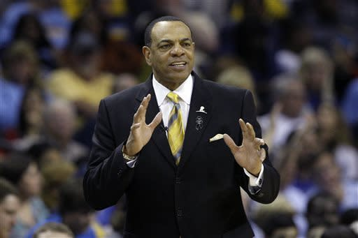 Memphis Grizzlies coach Lionel Hollins gestures during the second half of Game 4 in a first-round NBA basketball playoff series in Memphis, Tenn., Saturday, April 27, 2013. The Grizzlies defeated the Clippers 104-83. (AP Photo/Danny Johnston)