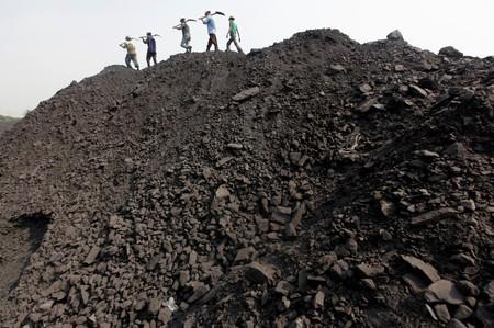 India's thermal coal imports to cross 200 million tonnes in FY 2020 - Moody's unit