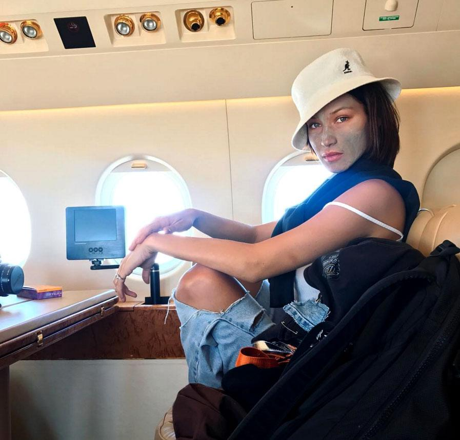 <p>Bella's been jetsetting all over the world with BFF Kendall Jenner, so by the time she headed home to L.A., a deep cleaning charcoal mask detox was in order.</p>