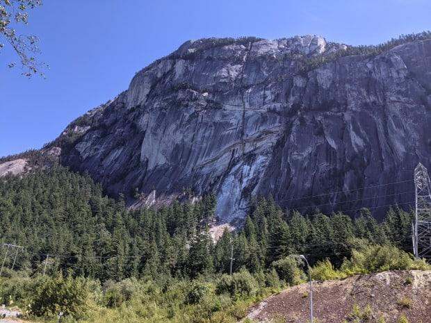 The rockfall affected the Grand Wall and Western Dihedrals climbing areas.  (Eva Uguen-Csenge - image credit)