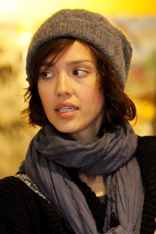 "She was born and raised in sunny Southern California, but ""Valentine's Day"" sweetie Jessica Alba has nothing but love for warm hats and scarves. KMAX/<a href=""http://www.x17online.com"" target=""new"">X17 Online</a> - January 20, 2010"