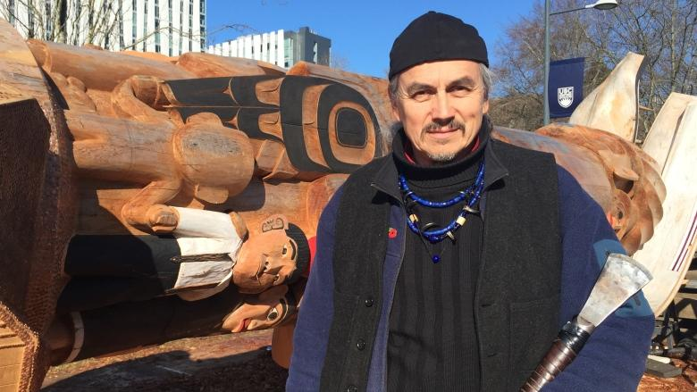Reconciliation totem pole goes up at UBC