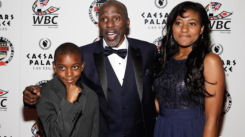 Roger Mayweather, pictured here with son Lekei and daughter Jade in 2015.