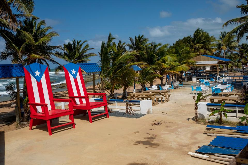 A popular tourist beachfront restaurant in Pinones is seen closed during a COVID-19 stay at home order in Loiza, Puerto Rico on March 21, 2020. (Photo by Ricardo ARDUENGO / AFP)