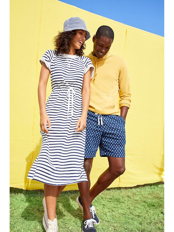 """<p>I love this <product href=""""https://oldnavy.gap.com/browse/product.do?pid=5820390020004&amp;cid=10018&amp;locale=en_US&amp;irgwc=1&amp;clickid=XmXWlyyaXxyORaBwUx0Mo34BUkiWw%3ARNzW7TQw0&amp;ap=6&amp;tid=onaff8724885&amp;siteID=onafcid383278#pdp-page-content"""" target=""""_blank"""" class=""""ga-track"""" data-ga-category=""""Related"""" data-ga-label=""""https://oldnavy.gap.com/browse/product.do?pid=5820390020004&amp;cid=10018&amp;locale=en_US&amp;irgwc=1&amp;clickid=XmXWlyyaXxyORaBwUx0Mo34BUkiWw%3ARNzW7TQw0&amp;ap=6&amp;tid=onaff8724885&amp;siteID=onafcid383278#pdp-page-content"""" data-ga-action=""""In-Line Links"""">Waist-Defined Striped French Terry Midi Dress</product> ($38, originally $40) so much, I hope it comes out in more colors!</p>"""