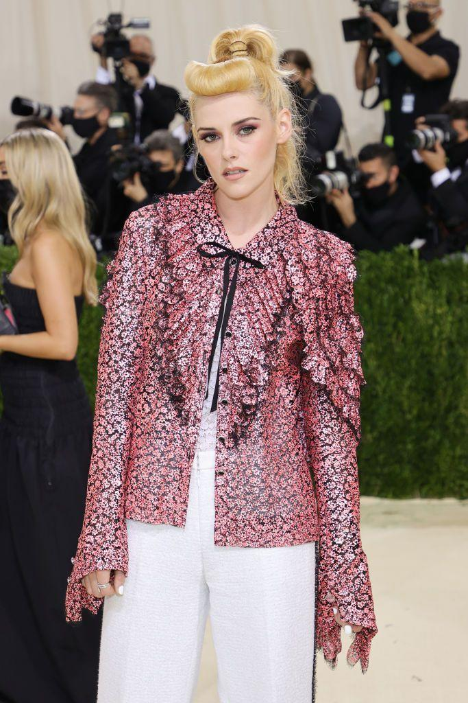 <p>Kristen Stewart took a break from her Princess Diana bob with a high ponytail and curled bangs. The newly blonde star isn't done having her fun!</p>