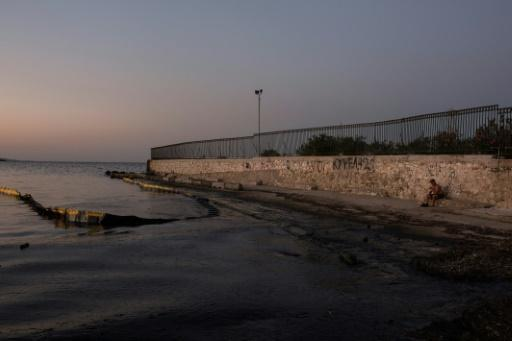 Greece botched oil spill response: environment groups