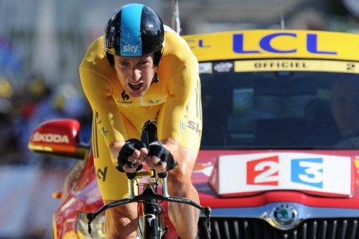 Bradley Wiggins was widely expected to increase his overnight lead of 10sec on Cadel Evans on the first long time trials