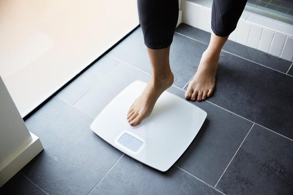 """<p>Although everyone's body is different, in general people can expect to lose <a href=""""https://www.popsugar.com/fitness/How-Much-Weight-Should-You-Lose-Week-44866718"""" class=""""link rapid-noclick-resp"""" rel=""""nofollow noopener"""" target=""""_blank"""" data-ylk=""""slk:one to two pounds a week"""">one to two pounds a week</a> if they are doing so in a healthy manner. """"Over the course of two months or eight weeks, a healthy weight-loss goal is eight to 16 pounds,"""" White said. </p> <p>Losing weight at this rate ensures that you'll keep it off for the long-term. If you have more weight to lose (50 or more pounds), you may lose more weight in the first few weeks, but in general, about a pound or two a week is a healthy target.</p>"""