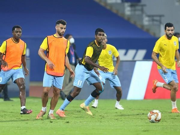 Mumbai City will look to regain top form in their match against KBFC (Image: ISL)