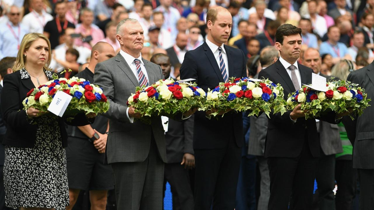 The royal 34-year-old royal laid a wreath in honor of the 22 lives lost.