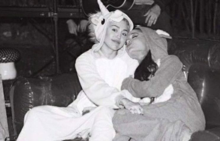 Miley publicly reached out to Ariana.
