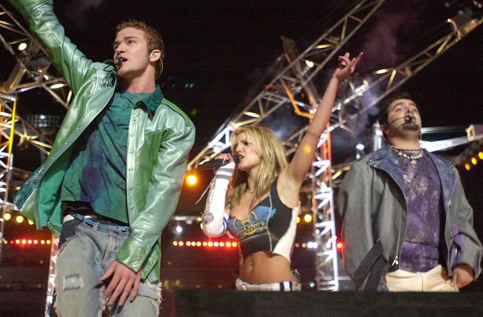 <p>At the halftime show for Super Bowl XXXV, Britney and Justin performed together as part of the MTV-produced show. The performance included Aerosmith, *NSYNC, Britney, Mary J. Blige, Nelly, and Tremors featuring The Earthquake Horns. </p>
