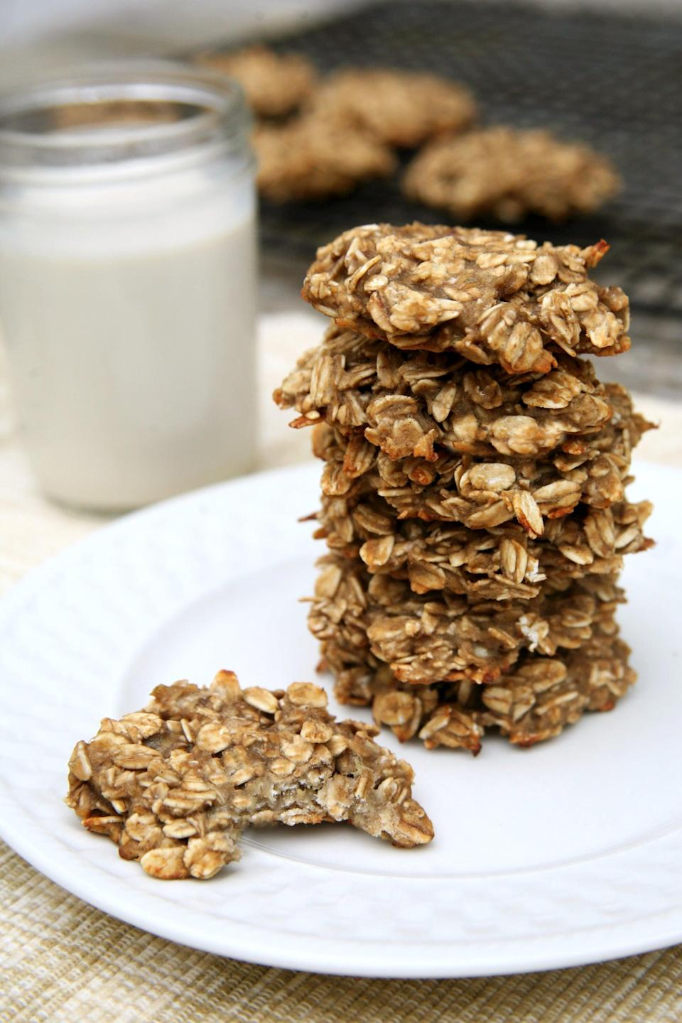 "<p>If you're trying to eat less sugar and less processed junk, this cookie recipe is perfect. They're only made with three ingredients you probably already have in your kitchen: bananas, rolled oats, and vanilla protein powder. That's it!</p> <p><strong>Calories:</strong> 62 per cookie<br> <strong>Protein:</strong> 2.8 grams</p> <p><strong>Get the recipe:</strong> <a href=""https://www.popsugar.com/fitness/Sugar-Free-Oatmeal-Cookies-42629183"" class=""link rapid-noclick-resp"" rel=""nofollow noopener"" target=""_blank"" data-ylk=""slk:banana oat cookies"">banana oat cookies</a></p>"
