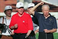 <p>Then-President Bill Clinton and former President Ford played what looked like an entertaining round of golf in 1995. </p>