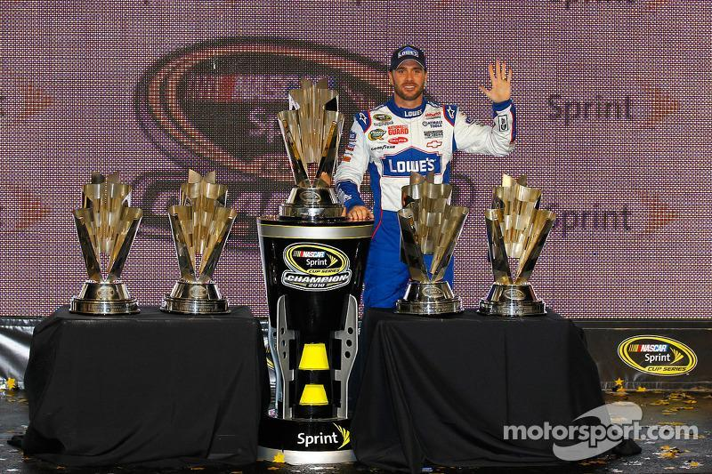 "2010: Jimmie Johnson (Hendrick-Chevrolet)<span class=""copyright"">Motorsport.com / ASP Inc.</span>"