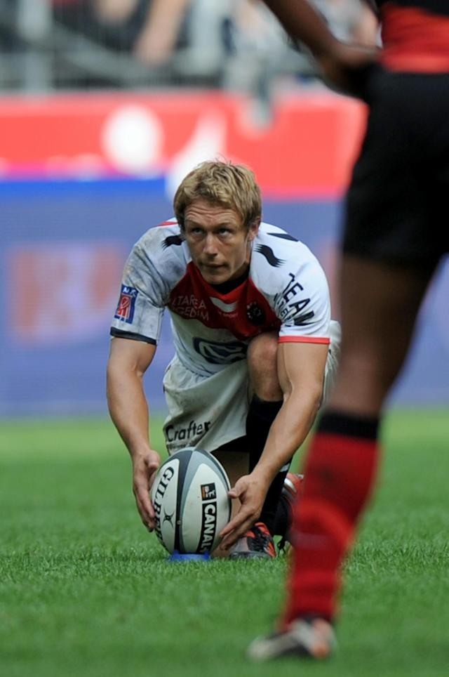 Toulon's British fly-half Jonny Wilkinson prepares to hit a penalty kick during the French Top 14 rugby union final match Toulouse vs Toulon, on June 9, 2011 at the Stade de France in Saint-Denis, outside Paris. AFP PHOTO / FRED DUFOURFRED DUFOUR/AFP/GettyImages